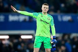 Jordan Pickford of Everton cuts a dejected figure - Mandatory by-line: Robbie Stephenson/JMP - 23/12/2018 - FOOTBALL - Goodison Park - Liverpool, England - Everton v Tottenham Hotspur - Premier League