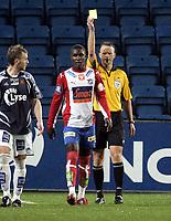 Fotball<br /> Tippeligaen Eliteserien<br /> 16.09.07<br /> Ullevaal Stadion<br /> FC Lyn Oslo - Viking<br /> Debutant og arvtageren til Edu - Odion Jude Ighalo - Odd - fikk gult kort av dommer Tommy Skjerven i debuten<br /> Foto - Kasper Wikestad