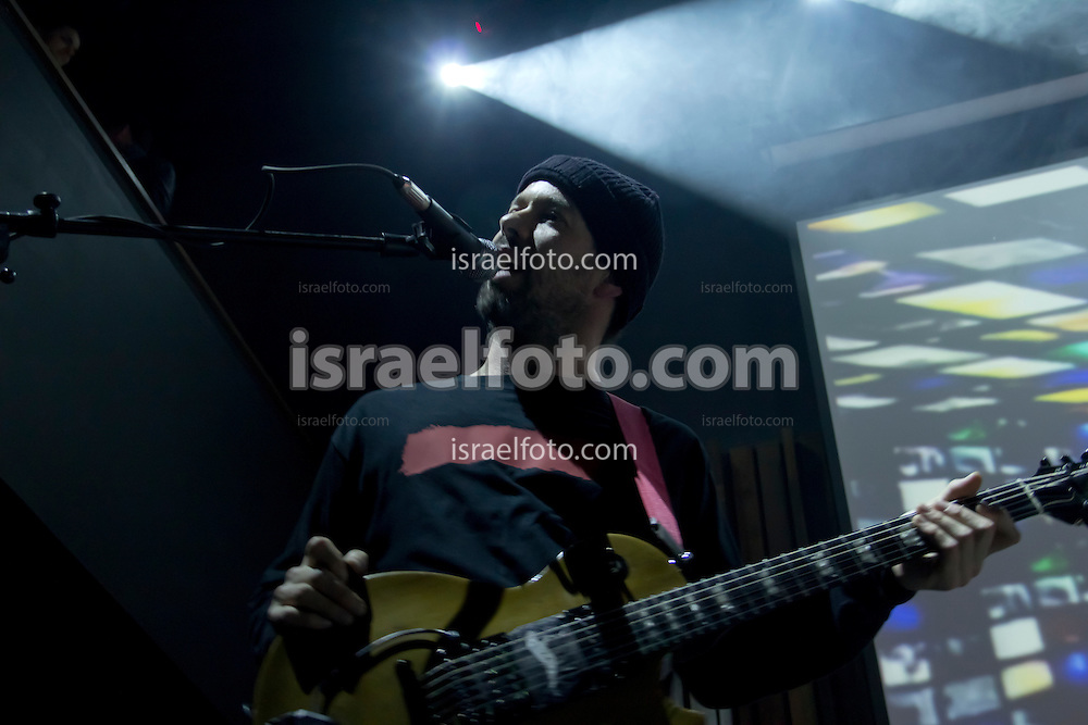 Alex Otaola performing in concert with bassist Alonso Arreola. January 27, 2012. Mexico City, Mexico.