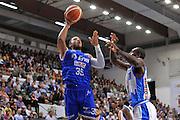 DESCRIZIONE : Beko Legabasket Serie A 2015- 2016 Dinamo Banco di Sardegna Sassari - Enel Brindisi<br /> GIOCATORE : Kenneth Kadji<br /> CATEGORIA : Tiro Penetrazione Sottomano<br /> SQUADRA : Enel Brindisi<br /> EVENTO : Beko Legabasket Serie A 2015-2016<br /> GARA : Dinamo Banco di Sardegna Sassari - Enel Brindisi<br /> DATA : 18/10/2015<br /> SPORT : Pallacanestro <br /> AUTORE : Agenzia Ciamillo-Castoria/C.Atzori