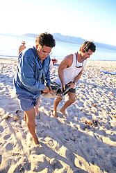 Jeff Seminoff & Tony Galvan Bringing Black Sea Turtle To Lab
