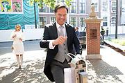 Aankomst Politici voorafgaand het voorlezen van de troonrede in de Grote Kerk aan leden van de Eerste en Tweede Kamer.<br /> <br /> Op de foto:  Minister-president Mark Rutte