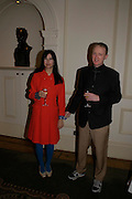 Gillian Wearing and Michael Landy. South Bank Show Awards, The Savoy Hotel. London. 27 January 2005. ONE TIME USE ONLY - DO NOT ARCHIVE  © Copyright Photograph by Dafydd Jones 66 Stockwell Park Rd. London SW9 0DA Tel 020 7733 0108 www.dafjones.com