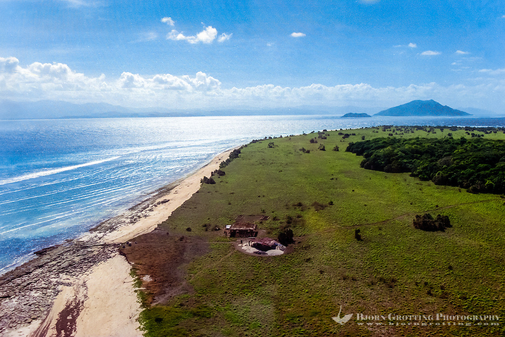 East Nusa Tenggara, Sumba, Pulau Mangudu. Pulau Mangudu island south of Sumba (from helicopter).