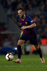 October 20, 2018 - Barcelona, Catalonia, Spain - Ivan Rakitic controls the ball  during the week 9 of La Liga match between FC Barcelona and Sevilla FC at Camp Nou Stadium in Barcelona, Spain on October 20, 2018. (Credit Image: © Jose Breton/NurPhoto via ZUMA Press)