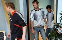 Rosenborg RBK 01.07.05<br /> Spillergruppa, Øyvind Storflor, Christer Basma og Roar Strand forlater krisemøtet<br /> Foto: Carl-Erik Eriksson, Digitalsport
