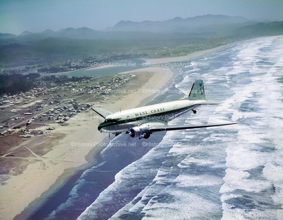 Y-550504-01.  Aerial view of Gearhart. May 4, 1955
