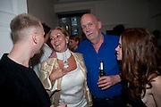 SIMON OLDFIELD; KATIE BARKER; HUGH ROSS;  JULIET OLDFIELD, New Symphoney.-  Simon Oldfield Gallery launch. First Floor, 9 Henrietta Street, WC2E.. -DO NOT ARCHIVE-© Copyright Photograph by Dafydd Jones. 248 Clapham Rd. London SW9 0PZ. Tel 0207 820 0771. www.dafjones.com.