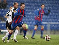 Fulhams Danny Murphy gegen Basels Alex Frei © Giuseppe Esposito/EQ Images