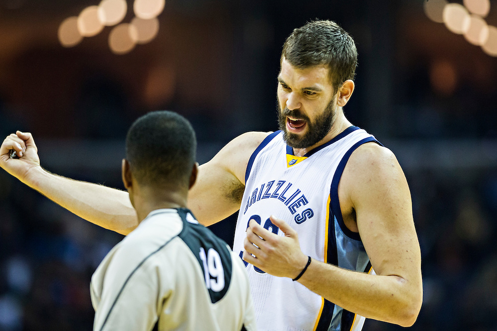 MEMPHIS, TN - DECEMBER 10:  Marc Gasol #33 of the Memphis Grizzlies talks with a official during a game against the Golden State Warriors at the FedExForum on December 10, 2016 in Memphis, Tennessee.  The Grizzlies defeated the Warriors 110-89.  NOTE TO USER: User expressly acknowledges and agrees that, by downloading and or using this photograph, User is consenting to the terms and conditions of the Getty Images License Agreement.  (Photo by Wesley Hitt/Getty Images) *** Local Caption *** Marc Gasol