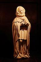 France, Cher (18), Berry, château de la Verrerie, Pleurant, statue en albatre de 1450,  route Jacques Coeur // France, Cher (18), Berry, the Jacques Coeur road, chateau de la Verrerie castle, Crying, in alabaster of 1450