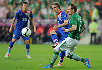 Foball , 10. juni 2012 , Euro ,  Irland - Kroatia<br /> v.l. Luka Modric, Glenn Whelan (Irland)<br /> Norway only