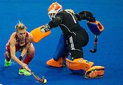 England's Alex Danson beats Joyce Sombroek of The Netherlands. England v The Netherlands - Final Unibet EuroHockey Championships, Lee Valley Hockey & Tennis Centre, London, UK on 30 August 2015. Photo: Simon Parker