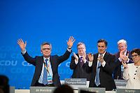 DEU, Deutschland, Germany, Berlin,26.02.2018: Parteitag der CDU in der Station. Standing Ovations für den scheidenden Bundesinnenminister Dr. Thomas de Maiziere (CDU). Die Delegierten stimmten mit großer Mehrheit für die Neuauflage der Großen Koalition (GroKo).