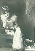 1909 Helen Somers as Queen of the Hollywood Tilting & Floral Parade