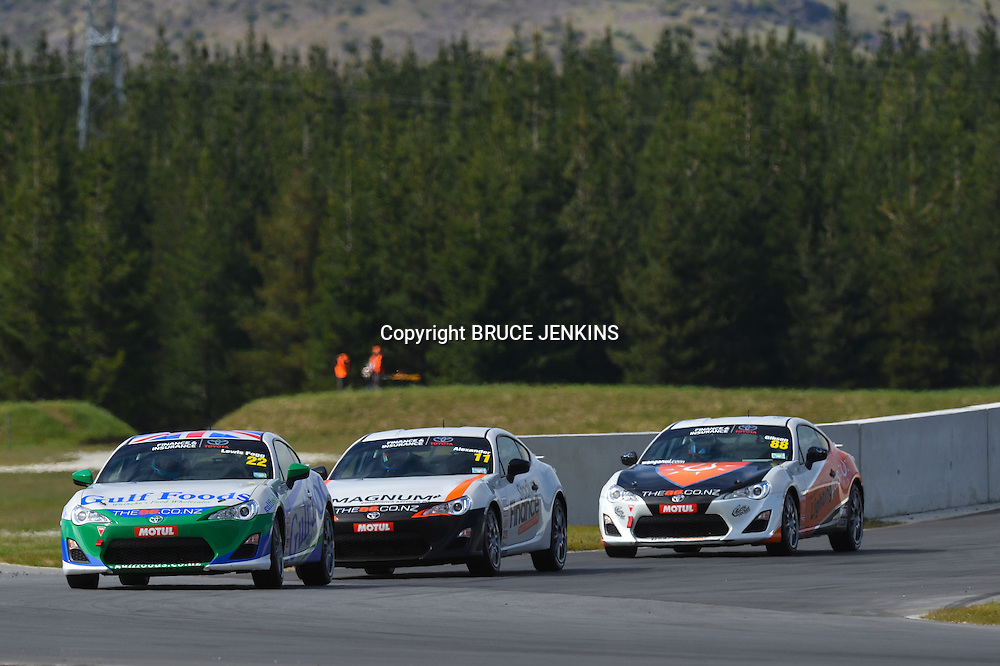 TR 86 Highland Park Race 1  Sat, 9 November 2013 Angus Fogg leads Tom Alexander in race 1 of the TR 86 series at Highlands Park. TR 86 Round One at Highlands Motorsport Park, Cromwell