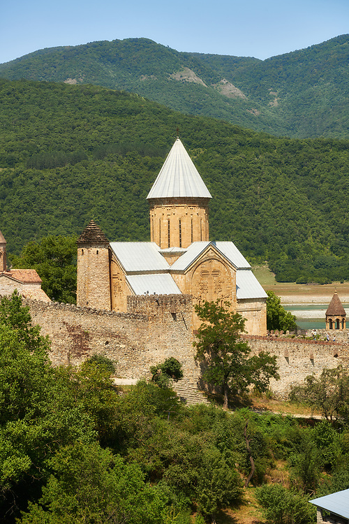 Pictures & images of the Ananuri castle complex & Georgian Orthodox churches, 17th century, Georgia (country).<br /> <br />  Ananuri castle is situated next to the Military Road overlooking the Aragvi River in Georgia, about 45 miles (72 kilometres) from Tbilisi. It was the castle of the eristavis (Dukes) of Aragvi from the 13th century and was the scene of numerous battles. In 2007 Ananuri castle was enscribed on the   UNESCO World Heritage Site tentative list. .<br /> <br /> Visit our MEDIEVAL PHOTO COLLECTIONS for more   photos  to download or buy as prints https://funkystock.photoshelter.com/gallery-collection/Medieval-Middle-Ages-Historic-Places-Arcaeological-Sites-Pictures-Images-of/C0000B5ZA54_WD0s<br /> <br /> Visit our REPUBLIC of GEORGIA HISTORIC PLACES PHOTO COLLECTIONS for more photos to browse, download or buy as wall art prints https://funkystock.photoshelter.com/gallery-collection/Pictures-Images-of-Georgia-Country-Historic-Landmark-Places-Museum-Antiquities/C0000c1oD9eVkh9c