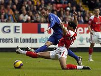 Photo: Olly Greenwood.<br />Charlton Athletic v Everton. The Barclays Premiership. 25/11/2006. Everton's James McFadden shoots past Charlton's Talal El Karkouri