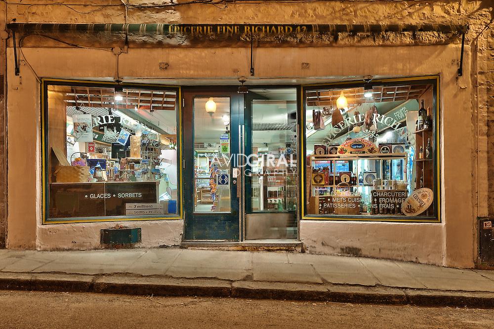 Blue hour on epicerie fine Richard, Québec city, Canada<br /> Heure bleue a l'epicerie fine Richard, rue des Jardins, ville de Québec, Canada
