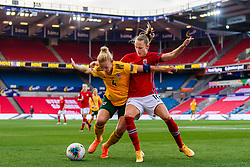 OSLO, NORWAY - Tuesday, September 22, 2020: Wales' captain Sophie Ingle (L) is challenged by Caroline Graham Hansen during the UEFA Women's Euro 2022 England Qualifying Round Group C match between Norway Women and Wales Women at the Ullevaal Stadion. Norway won 1-0. (Pic by Vegard Wivestad Grøtt/Propaganda)