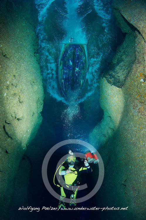 Inland Sea and scuba diver, Gozo, Malta, Sued Europa, Mittelmeer, Mare Mediterraneum, Sotuh Europe, Mediterranean Sea