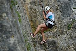 04-05-2015 BEL: BvdGF Outdoorkamp 2015, Dinant<br /> Achttien jongeren van 18 t/m 23 jaar beleven een avontuurlijk kamp in de Belgische Ardennen. Onder begeleiding van een arts, twee diabetesverpleegkundigen en Bas van de Goor gaan ze uitdagende activiteiten aan en ervaren ze wat het effect hiervan op hun diabetes is. Vandaag de dag van lopen en kano /