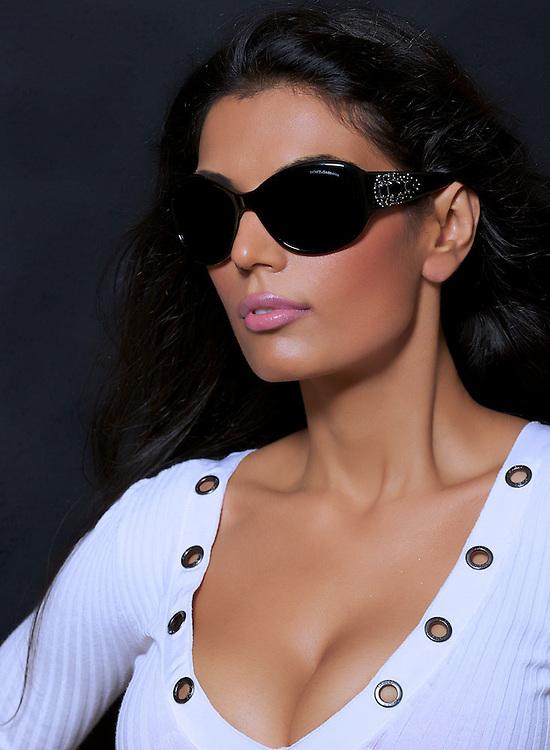 Sonya Kapoor with sunglasses