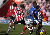 Fotball<br /> England 2004/2005<br /> Foto: SBI/Digitalsport<br /> NORWAY ONLY<br /> <br /> Southampton v Portsmouth<br /> Barclays Premiership, 13/11/04<br /> <br /> Yakubu on the attack for Portsmouth