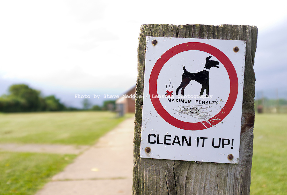 Penalty warning sign for dog fouling - May 2011