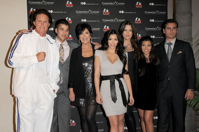 Bruce Jenner,Rob Kardashian,Kris Kardasahian,Kim Kardashian,Khloe Kardashian Odom, Kourtney Kardashian and Scott Disick at The Kardashian Charity Knock Out held at The Commerce Casino in Commerce, Los Angeles, CA, USA on November 3, 2009. Photo by Debbie VanStory/ABACAPRESS.COM    207926_006 Los Angeles n