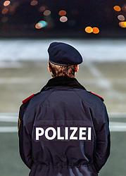 THEMENBILD - Rückenansicht eines Polizisten mit Barett, aufgenommen am 23. Feber 2017 in Innsbruck, Österreich // a policeman with Barrett, Innsbruck, Austria on 2017/02/23. EXPA Pictures © 2017, PhotoCredit: EXPA/ JFK