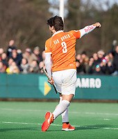 BLOEMENDAAL  - Arthur van Doren (Bldaal) heeft gescoord (1-1)   . Bloemendaal-Kampong (2-1).  hoofdklasse hockey mannen.   COPYRIGHT KOEN SUYK
