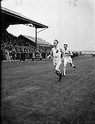 O'Boyle, C. (Strabane A.C.) winning one mile flat at NACA Championships at Iveagh Grounds, Crumlin.06/07/1952