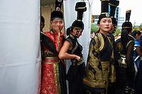Mongolie, Oulan Bator, Place Sukhbaatar, defile de mode pour la fete du Naadam. // Mongolia, Ulan Bator, Sukhbaatar square, fashion parade for the Naadam festival