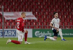 Kasper Dolberg (Danmark) knæler før UEFA Nations League kampen mellem Danmark og England den 8. september 2020 i Parken, København (Foto: Claus Birch).