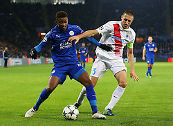 Damarai Gray of Leicester City battles with Timmy Simons of Club Brugge - Mandatory by-line: Matt McNulty/JMP - 22/11/2016 - FOOTBALL - King Power Stadium - Leicester, England - Leicester City v Club Brugge - UEFA Champions League