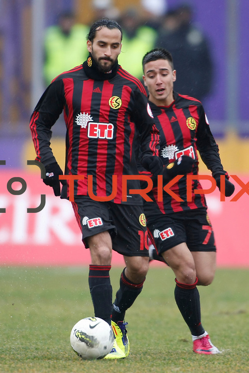 Eskisehirspor's Erkan Zengin (L) during their Turkey Cup matchday 3 soccer match Eyupspor between Eskisehirspor at Eyup Stadium in Istanbul Turkey on Wednesday, 11 January 2012. Photo by TURKPIX