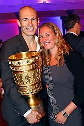 15-05-2010 VOETBAL: CHAMPIONSPARTY BAYERN MUNCHEN: BERLIN<br /> Arjen Robben en zijn zus Vivian<br /> ©2010- FRH nph /  PO