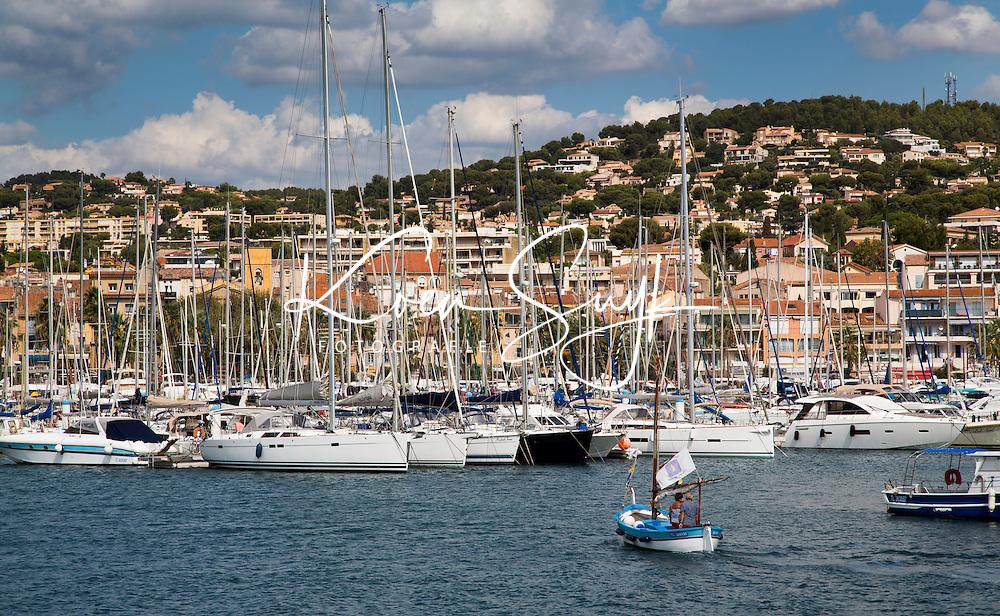 FRANKRIJK - BANDOL - Haven met boten . ANP COPYRIGHT KOEN SUYK