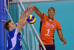 20150614 NED: World League Nederland - Finland, Almere<br /> De Nederlandse volleyballers hebben in de World League ook hun tweede duel met Finland gewonnen. Na de 3-0 zege van zaterdag werd zondag in Almere met 3-1 (22-25, 25-20, 25-13, 25-19) gewonnen / Nimir Abdelaziz #1, Urpo Sivula #10