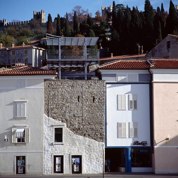 Stolp v Piranu