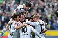 Fotball<br /> Tyskland<br /> Foto: Witters/Digitalsport<br /> NORWAY ONLY<br /> <br /> 1:0 Jubel Gladbach v.l. Fabian Johnson, Håvard Nordtveit (oben), Andre Hahn, Torschuetze Thorgan Hazard (10), Mahmoud Dahoud, Oscar Wendt (Gladbach)<br /> Moenchengladbach, 03.04.2016, Fussball Bundesliga, Borussia Mönchengladbach - Hertha BSC Berlin