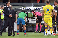 Referee Fabrizio Pasqua check the VAR Video Assistant referee before cancel the goal of Mario Mandzukic <br /> Verona 18-08-2018 Stadio Bentegodi Football Calcio Serie A 2018/2019 Chievo Verona - Juventus Foto Andrea Staccioli / Insidefoto