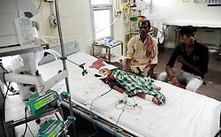August 13, 2017 - Allahabad, Uttar Pradesh, India - Allahabad: A child being treated at ICU ward at Sarojani Naidu Children's hospital in Allahabad on 13-08-2017. Photo by prabhat kumar verma (Credit Image: © Prabhat Kumar Verma via ZUMA Wire)