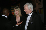 Julia Somerville and Sir Jeremy Dixon. 2004 Whitbread Book Awards. The Brewery, Chswell st. London EC1. 25 January 2005. ONE TIME USE ONLY - DO NOT ARCHIVE  © Copyright Photograph by Dafydd Jones 66 Stockwell Park Rd. London SW9 0DA Tel 020 7733 0108 www.dafjones.com