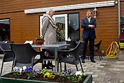 LELYSTAD, 25-03-2021 ,Woonzorg Flevoland<br /> <br /> Werkbezoek van de Koning aan Woonzorg Flevoland, locaties Hanzeborg en Het Groene Huis in Lelystad. Na een korte introductie over Woonzorg Flevoland door de gastheer vertellen zorgmedewerkers in twee gespreksrondes over hun ervaringen in het afgelopen Corona jaar.
