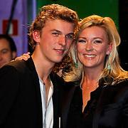NLD/Amsterdam/20100322 -  Uitreiking Rembrandt Awards 2009, Saskia Noort en zoon Matthieu