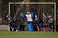 BILTHOVEN -  Hoofdklasse competitiewedstrijd dames, SCHC v hdm, seizoen 2020-2021.<br /> Foto: hdm verdedigt doel bij strafcorner met Keeper Julia Remmerswaal (hdm)