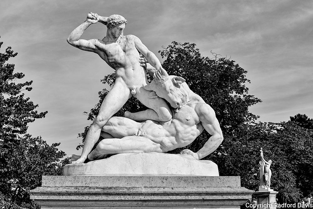 Theseus fighting a minotaur. Tuileries garden, Paris.