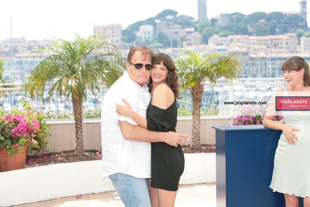 - Asia Argento - Bianca Balti - - Festival de Cannes - Photocall Go go Tales - 23/05/2007 - JSB / PixPlanete
